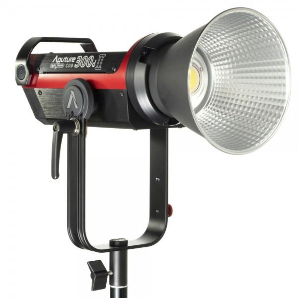 Aputure Light Storm C300d MKII Kit mit Tasche (V-Mount) Studioleuchte